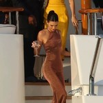 Kendall你别再这么穿了,腿太长让别人怎么办?