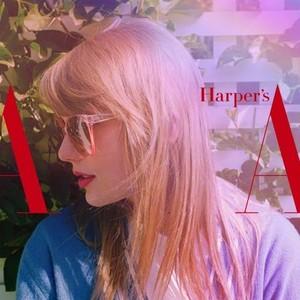陷入甜蜜恋爱的Taylor Swift,整个人都变得粉嫩嫩了……