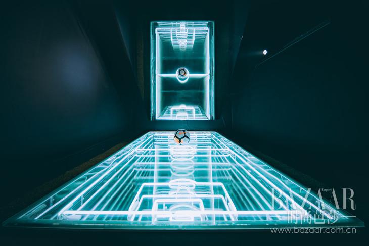艺术家Juno Shen 用以足球启发而设计的艺术装置1