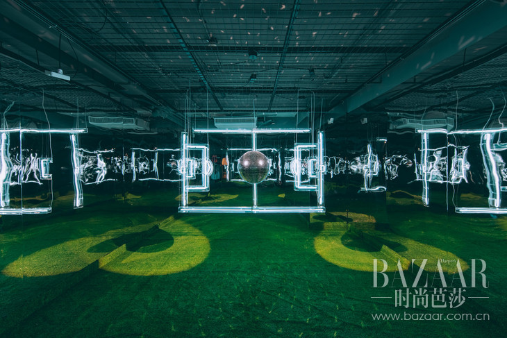 艺术家Juno Shen 用以足球启发而设计的艺术装置3