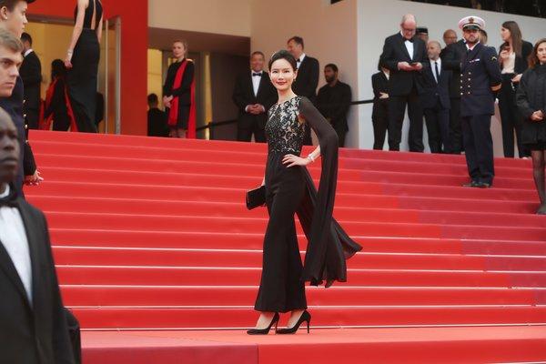 伽蓝集团对外事务高级总监赵曼丽出席戛纳红毯
