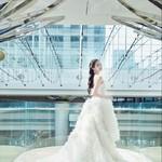 关晓彤一条礼裙美到上热搜,胡歌在上海电影节红毯跳广场舞?
