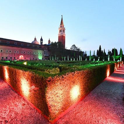 快来威尼斯双年展意大利国家馆玩古驰牌迷宫