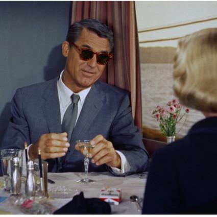 OLIVER PEOPLES 与CARY GRANT ESTATE合力推出经典款式眼镜