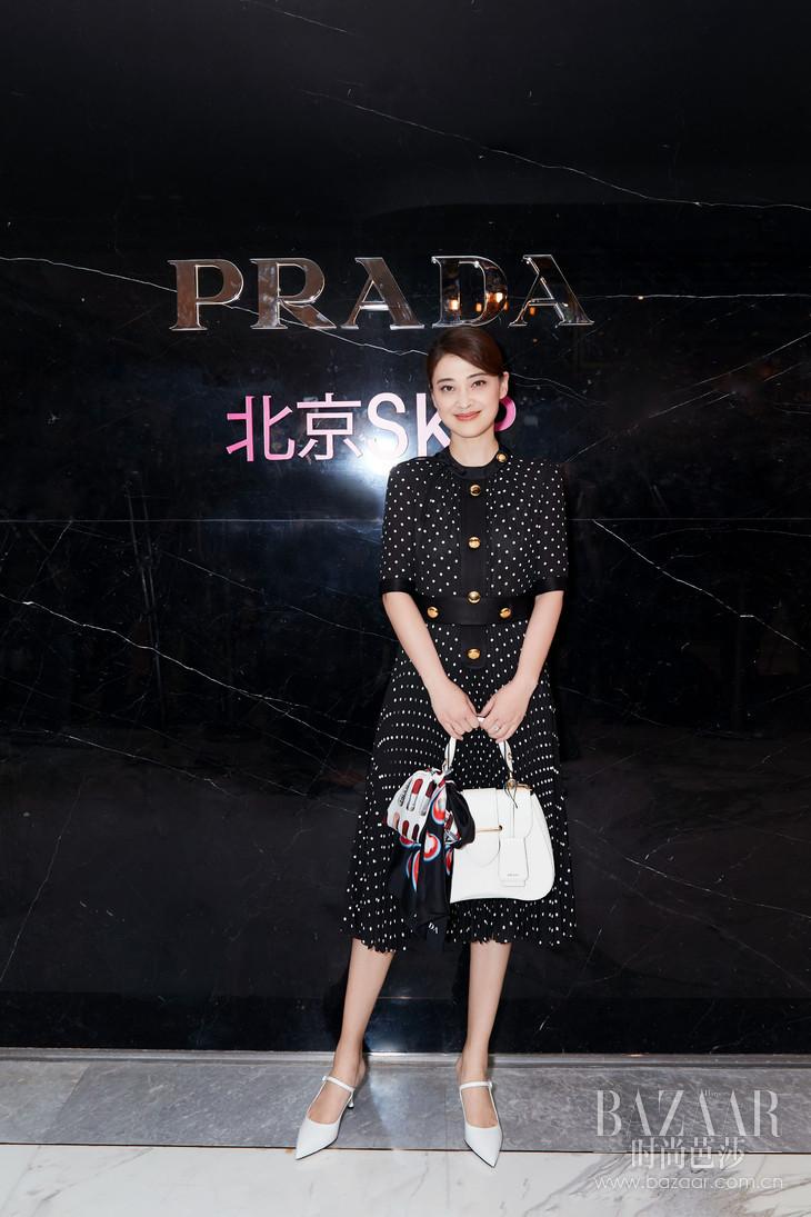 梅婷出席Prada Invites系列庆祝酒会