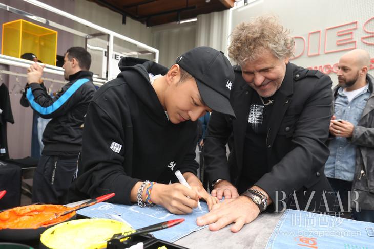 Diesel品牌创始人Renzo Rosso与著名设计师周翔宇现场体验丹宁定制 1