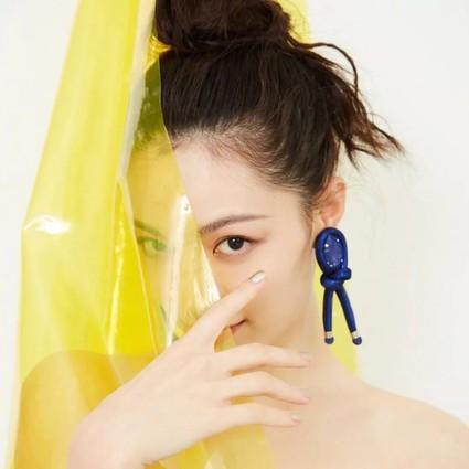 钟楚曦美得像条美人鱼,但我只想要她的耳环清单!