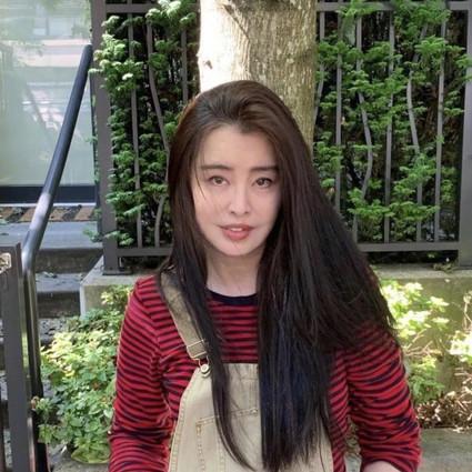 52岁王祖贤罕见晒近照,怎么状态还和25岁一样好?