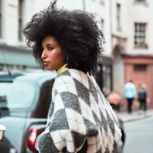 H&M携手苏格兰顶尖针织品制造商Pringle of Scotland推出联名针织系列