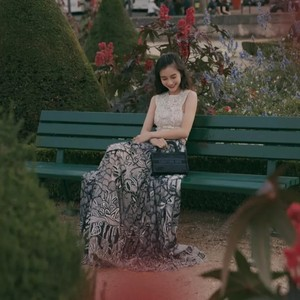 Angelababy选裙子够机智的,张钧甯的黑丝太美不敢看!