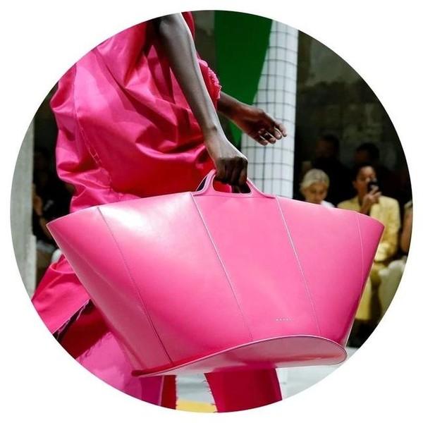 Marni的热带狂欢,Ferragamo的假日花园,我都想坐着Etro的热气球去看看