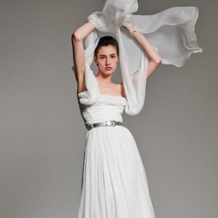 Vivienne Westwood发布全新2020定制玫瑰婚纱系列