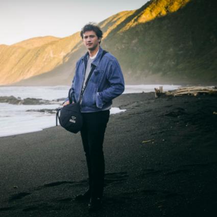 "Prada再生尼龙项目及""What We Carry""《国家地理》系列影片第三部发布"