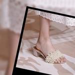 """女人就应该有一双""""珍珠鞋"""",向倪妮杨紫看齐就不会买错!"""