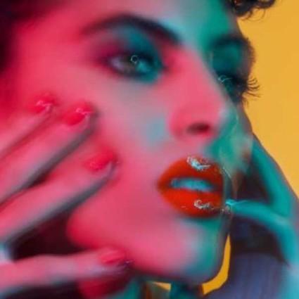 瞩目呈献 全新限量 LOUBIGLITTERGLOSS 红钻粼光唇彩系列闪烁绽放梦幻美态