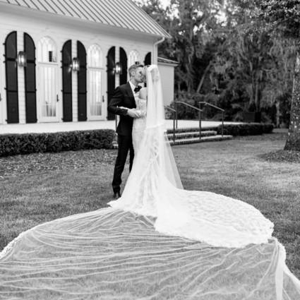 Bieber夫妇在自己的盛大婚礼上穿了啥?【芭莎女孩不认输】