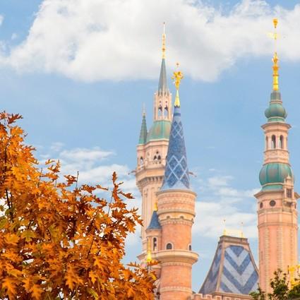 """上海迪士尼将实行新儿童票标准;航司回应国内航班飞机餐""""缩水"""";希尔顿逸林酒店亮相扬州"""