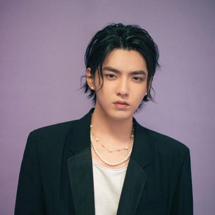 没想到,比吴亦凡更有态度的竟然是他的珍珠项链?
