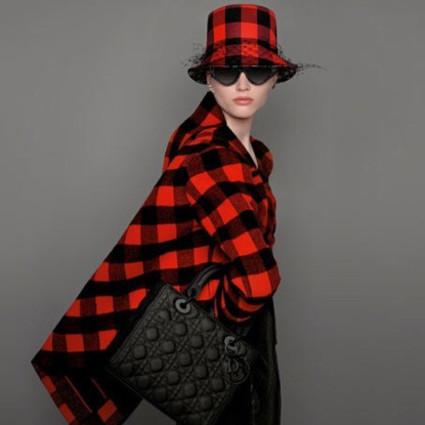 今年最想拿下的包:迪奥黑色哑光系列手袋