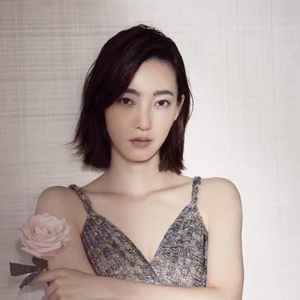 Dior迪奥花秘瑰萃形象大使王丽坤