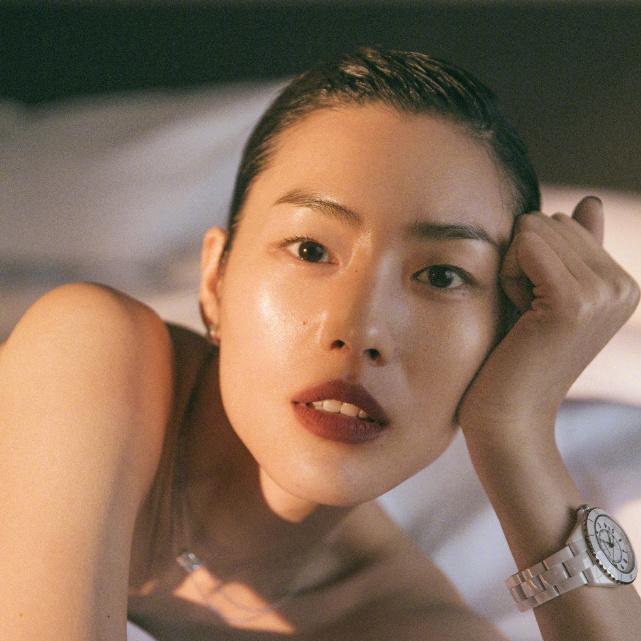 刘雯首次请假时装周,好在我已经存下了她所有的高光时刻!