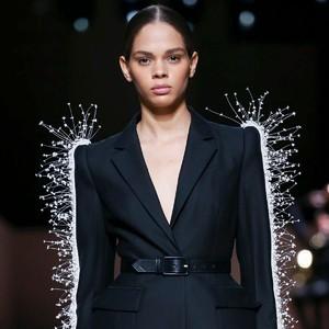 Givenchy告诉我们,优雅是这个时代不变的议题