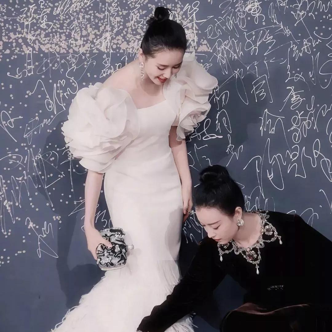 倪妮刘诗诗黑白天鹅绝杀全场,从小练跳舞的人长大都怎么样了……