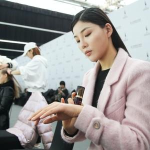 无惧高清摄影机 超模的私房肌肤秘密 日本玛嘉思缇登陆北京时装周