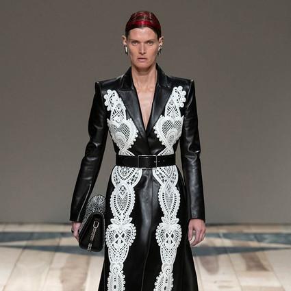 Alexander McQueen2020年秋冬系列女装时装秀