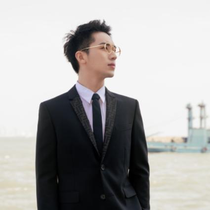 众明星身着FENDI亮相第28届中国金鸡百花电影节开幕式