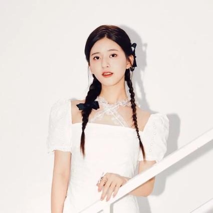 真・深藏不露,赵露思开始做自己的妆发造型师了?