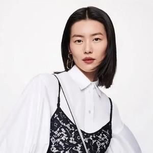 刘雯的时髦白手袋带我一秒入夏【当红新手袋】