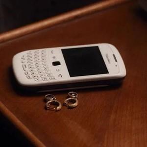 """收起手机,我们都是彼此的""""完美陌生人""""…"""