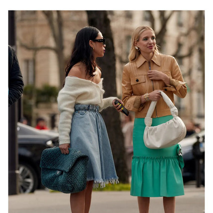 来一只装满时髦的大号手袋,做个新季Trendsetter吧   Take a LOOK!