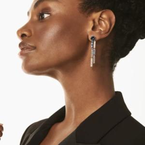 时尚芭莎90秒|金秋十月,穿金戴银