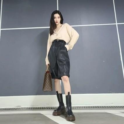 时尚圈打工人们在秋冬背什么包?
