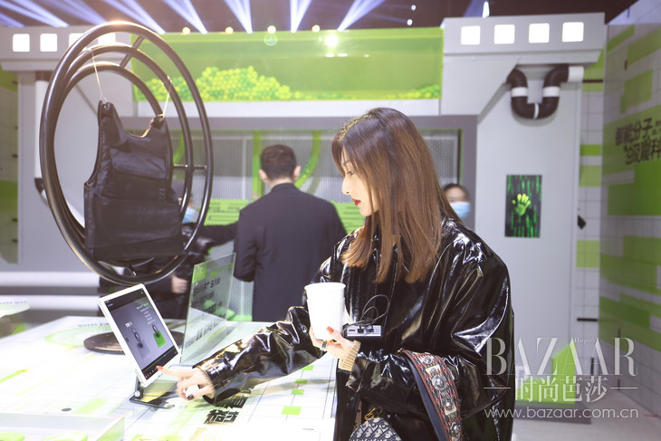 8:嘉宾通过互动装置深度了解新产品及科技平台