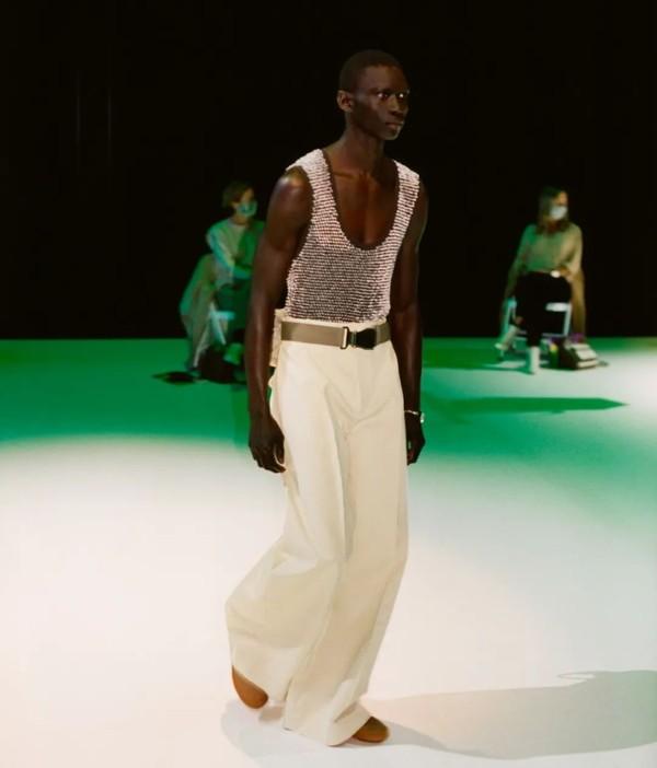 对于Bottega Veneta来说,时装可以是一件很私人的事