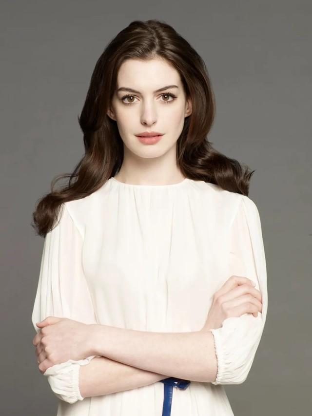 被大家讨厌的完美公主安妮·海瑟薇