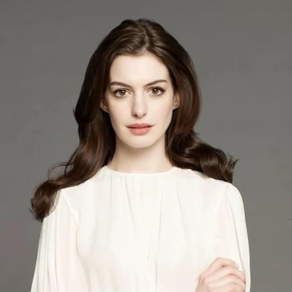 被大家讨厌的完美公主安妮・海瑟薇
