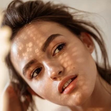 什么?在家护肤就能将面部线条撑起来?