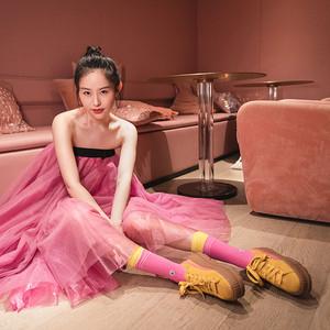 品质生活日用品牌ch22携手美国潮流品牌STANCE推出联名袜子,演绎出圈新可能,释放无限魅力