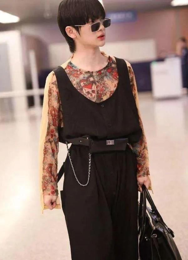 有一种惊艳叫作王一博的女装
