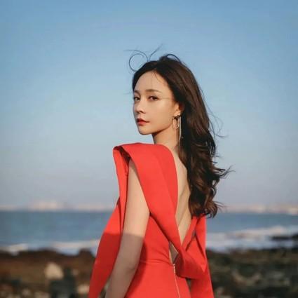 学会这个妆容,才好搭配你新年的100件红衣服!