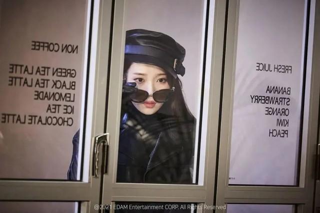 3分钟狂换11套造型,不愧是韩国solo女顶流的衣橱