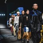 """TUYUE涂月2021AW""""幸存者日�"""" 上海�r�b周秀�錾系漠�代��g"""