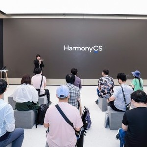 做客城市客厅 在华为旗舰店解读HarmonyOS设计的幕后故事