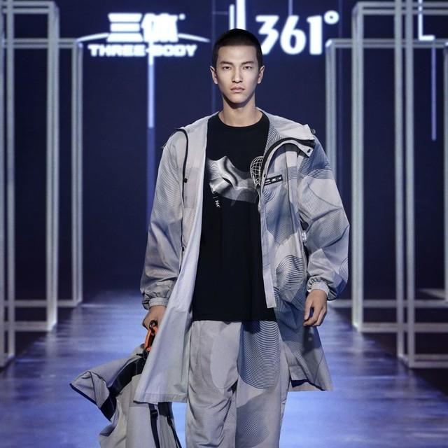 东方破晓 蓄势待发——361° 强势登陆2021中国国际时装周