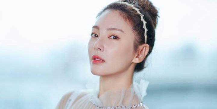 林允张雨绮要演《美人鱼2》?她俩的白嫩肌比3百亿的梗更有戏!