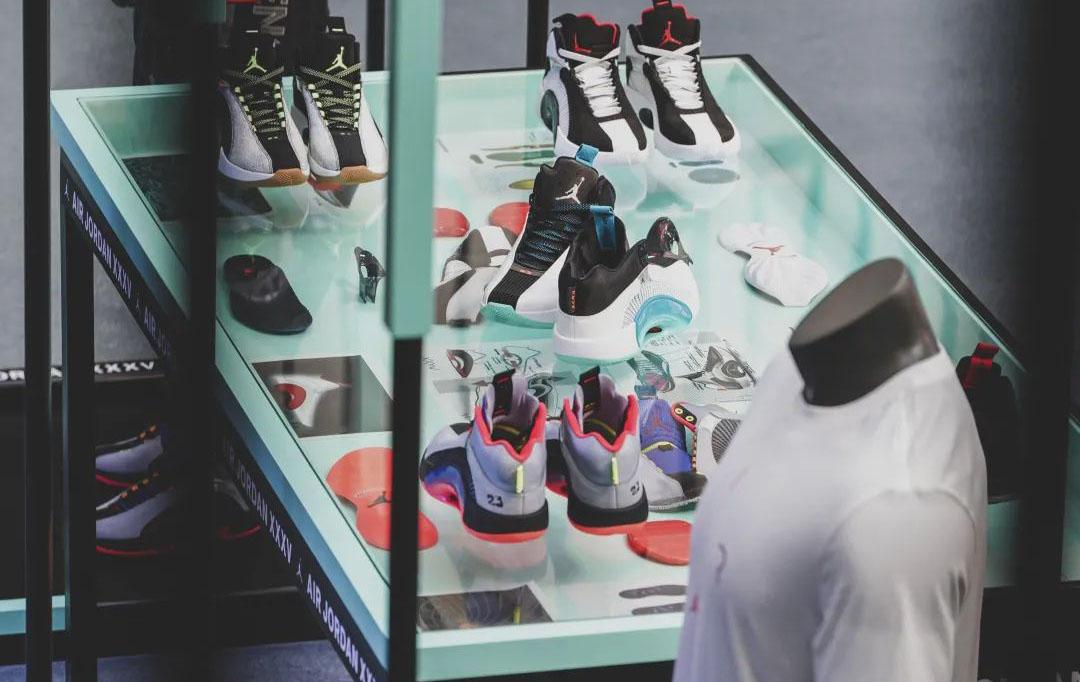 陈数惊喜现身GIADA快闪店;今年最期待的一双Air Jordan来了!